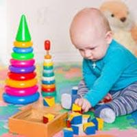bébé jeu de construction